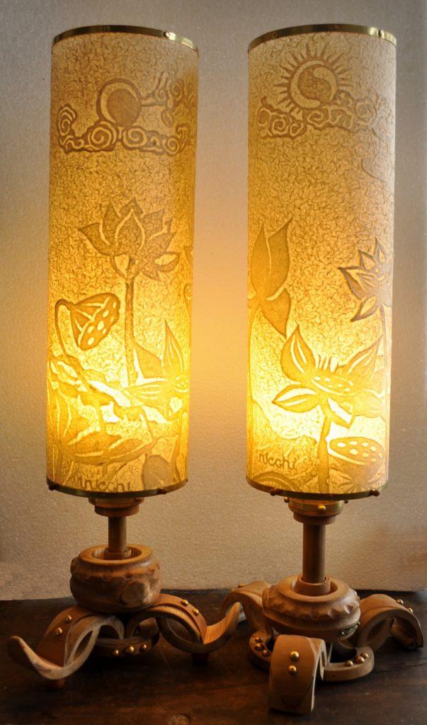 Ấn tượng với cặp đèn nến trúc chỉ hoa sen