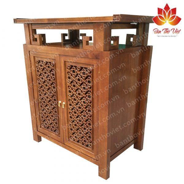 Bàn thờ được làm bằng gỗ Sồi