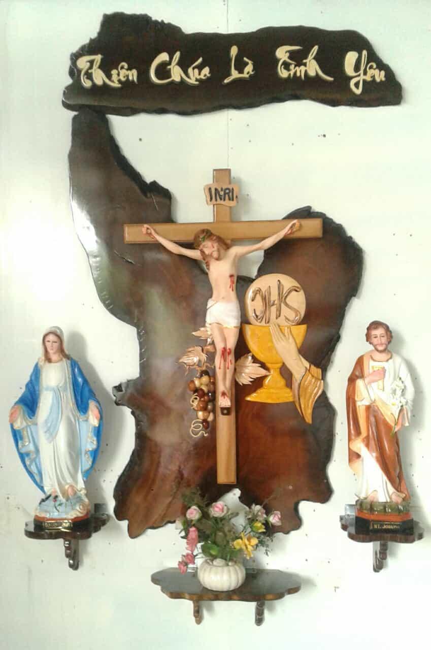 Cách trang trí bàn thờ Chúa sao cho đúng cách