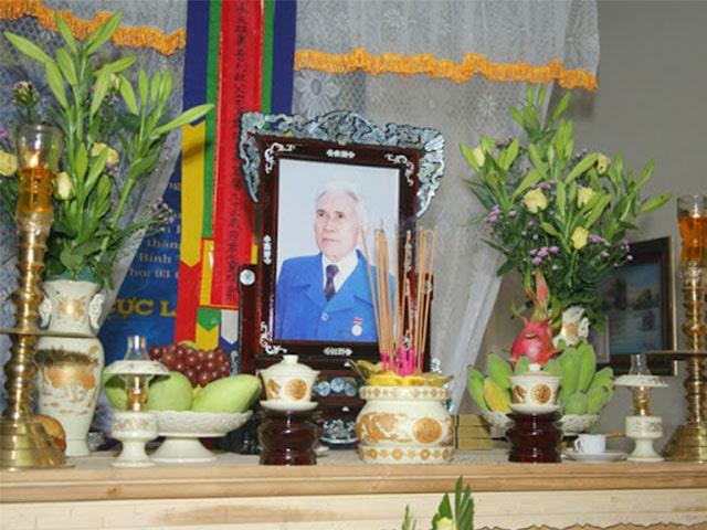 Cách trang trí bàn thờ đám ma phù hợp phong tục truyền thống